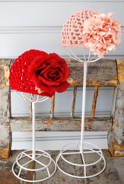 Little Girl's Beret and Wristers Crochet Pattern | Red Heart