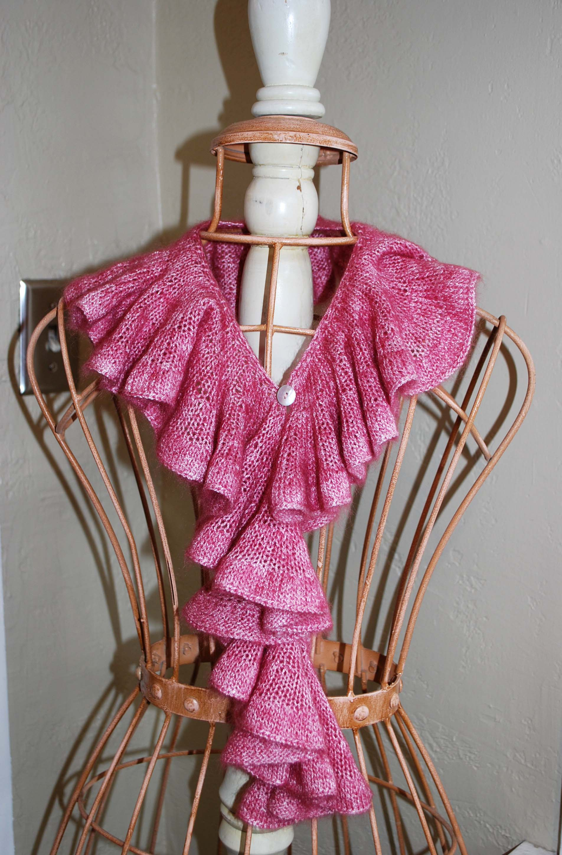 Free Crochet Patterns Ruffle Scarf Free Pattern For Crochet Ruffle Scarf