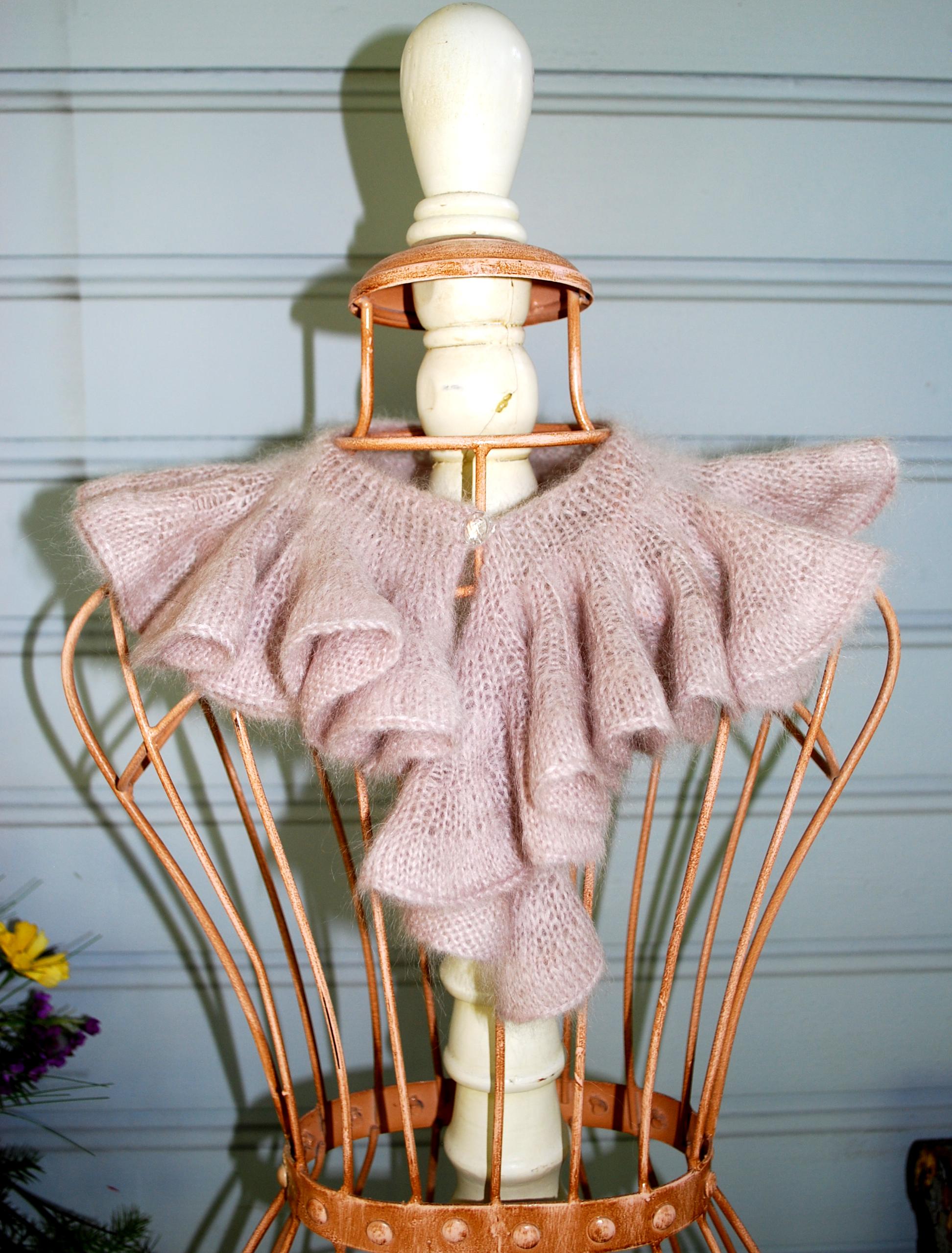 Knitting Patterns Ruffle Scarves Free : Free Ruffle Scarf Patterns Knit