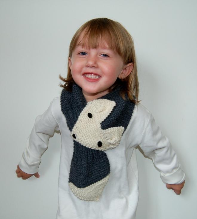 Girls Scarf Knitting Pattern : fox scarf knitting pattern The Pipers Girls